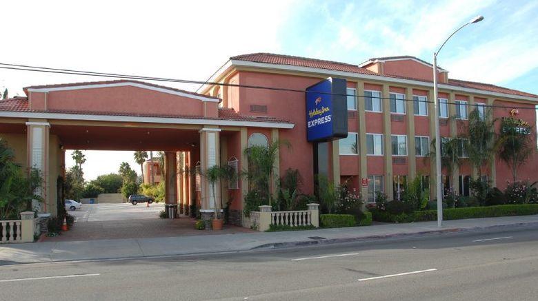 "Holiday Inn Express Anaheim West Exterior. Images powered by <a href=""http://www.leonardo.com"" target=""_blank"" rel=""noopener"">Leonardo</a>."