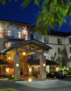Larkspur Landing Hotel