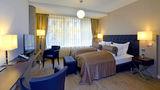 Vier Jahreszeiten Hotel Room
