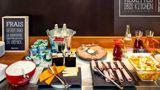 Ibis Lyon Est Bron Restaurant