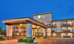 Holiday Inn Express & Suites Branson 76
