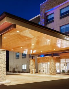 Holiday Inn Expres/Stes Chicago N Shore