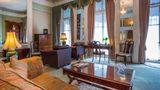 London Elizabeth Hotel Suite