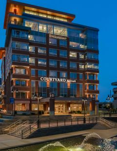 Courtyard Buffalo Downtown Canalside