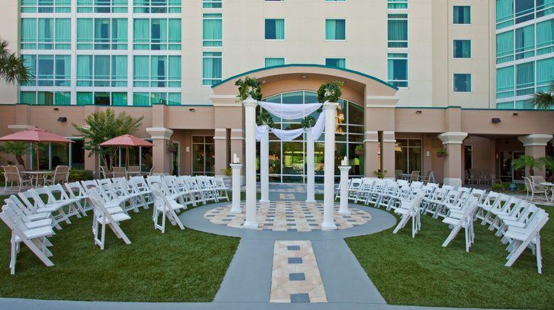 "Crowne Plaza Orlando - Universal Blvd Exterior. Images powered by <a href=""http://www.leonardo.com"" target=""_blank"" rel=""noopener"">Leonardo</a>."