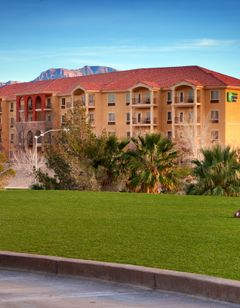 Holiday Inn Express & Sts Mesquite