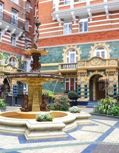 St James Court, A Taj Hotel