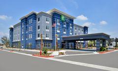 Holiday Inn Express & Suites Loma Linda