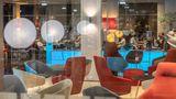 Holiday Inn Express Lisbon Alfragide Lobby
