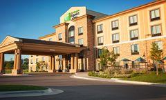 Holiday Inn Express & Suites Wichita NE