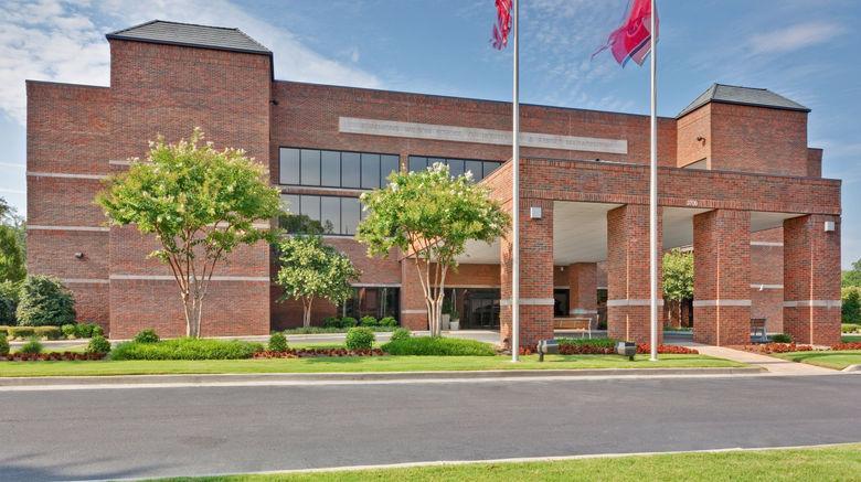"Holiday Inn University of Memphis Exterior. Images powered by <a href=""http://www.leonardo.com"" target=""_blank"" rel=""noopener"">Leonardo</a>."