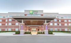 Holiday Inn Express & Suites Plymouth