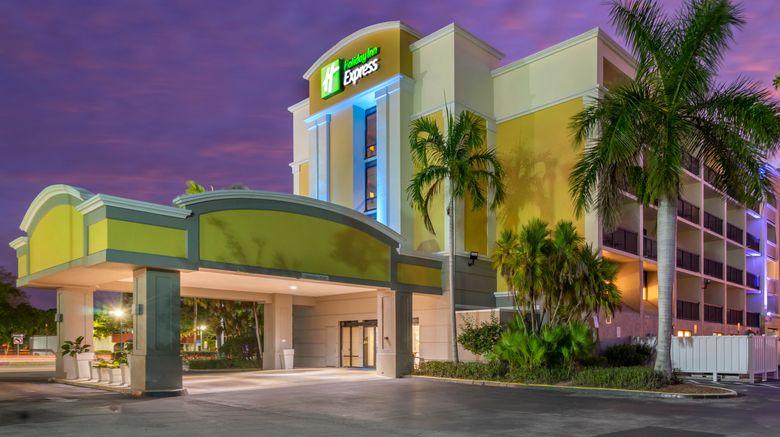 "Holiday Inn Express Cape Coral Exterior. Images powered by <a href=""http://www.leonardo.com"" target=""_blank"" rel=""noopener"">Leonardo</a>."