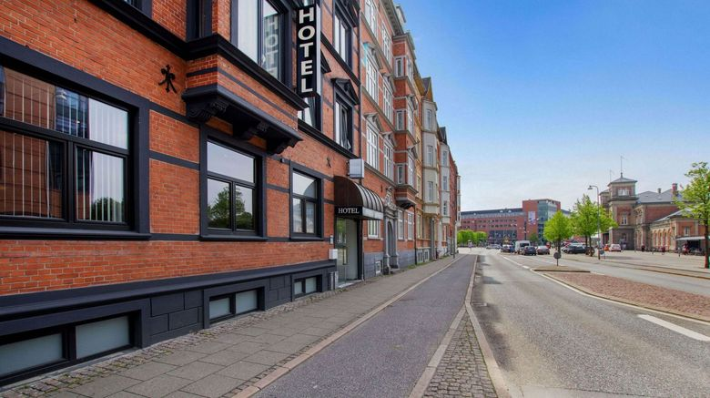 "Prinsen Hotel Exterior. Images powered by <a href=""http://www.leonardo.com"" target=""_blank"" rel=""noopener"">Leonardo</a>."