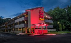 Red Roof PLUS+ Wilmington - Newark
