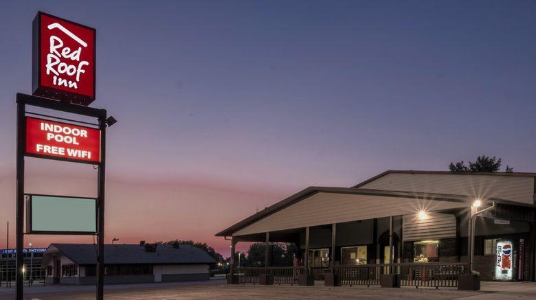 "Red Roof Inn Vermillion - USD Exterior. Images powered by <a href=""http://www.leonardo.com"" target=""_blank"" rel=""noopener"">Leonardo</a>."