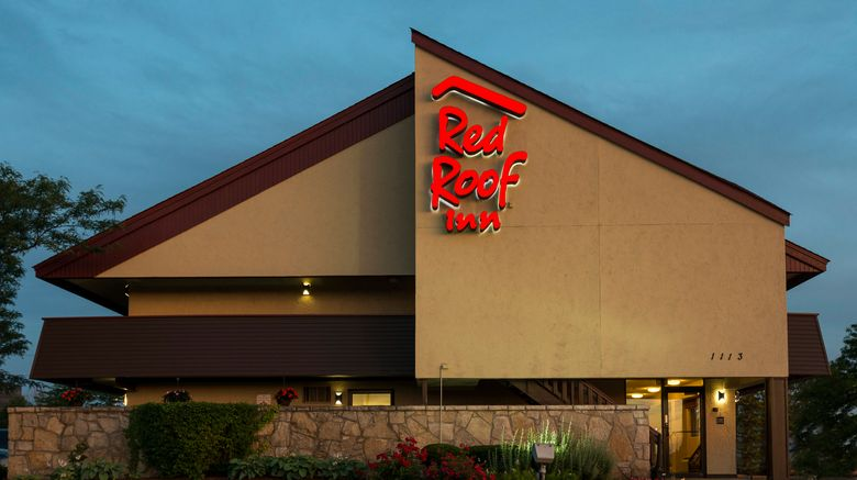 """Red Roof Inn Chicago - Downers Grove Exterior. Images powered by <a href=""""http://www.leonardo.com"""" target=""""_blank"""" rel=""""noopener"""">Leonardo</a>."""