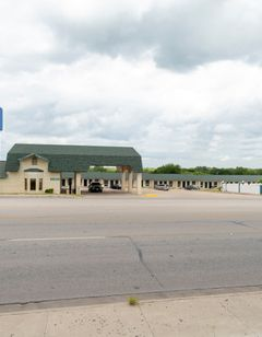 OYO Hotel Three Rivers TX Hwy 72