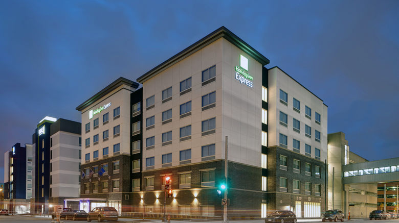 "Holiday Inn Express Milwaukee Downtown Exterior. Images powered by <a href=""http://www.leonardo.com"" target=""_blank"" rel=""noopener"">Leonardo</a>."