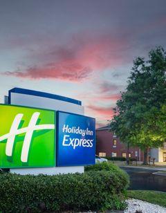 Holiday Inn Express Clayton - SE Raleigh