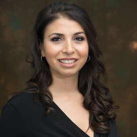 Photo of Laura E. Muniz