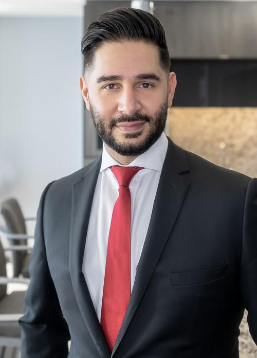 Photo of Ali Mosadeq