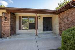 54 Country Creek Dr