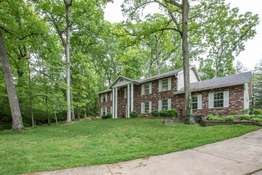 210 Red Bud Dr