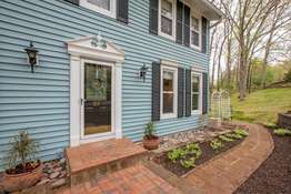 20 Hickory Hill Dr