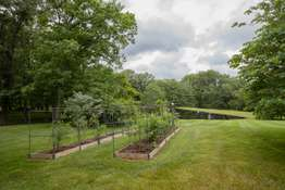 Private, Fully Fenced-in Yard