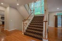 Grand, Center Staircase