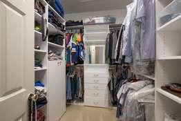 Custom Organized Walk-in Closets