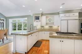Gas Cooktop, Custom Cabinetry