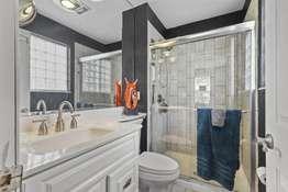Updated En Suite Bathroom