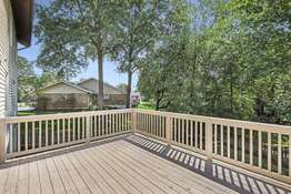 Admire Your own Parklike Setting Overlooking the Backyard!