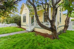 Vintage Westside Santa Cruz home