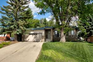 Amazing Ottewell bungalow with total SEVEN bedrooms