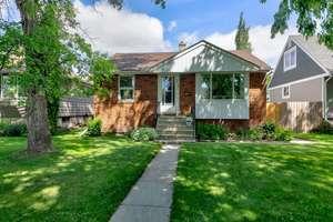 Move-in ready bungalow on a quiet street in Hazeldean