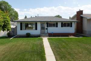 Meticulously maintained 3 bedroom bungalow in Evansdale