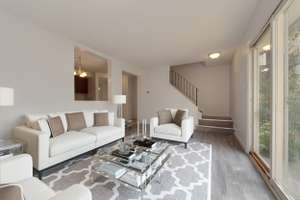 Upgraded 3 bedroom townhouse in Kernohan