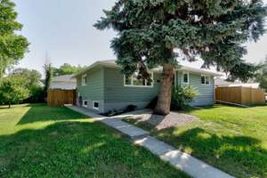 Amazing bungalow in family friendly Holyrood