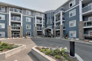 2 bedroom condo with beautiful views in Oxford!