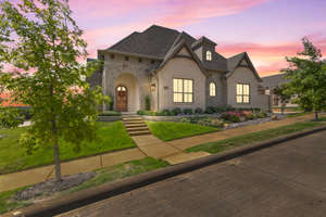 Exceptional Custom Built home in sought-after Hidden Knoll