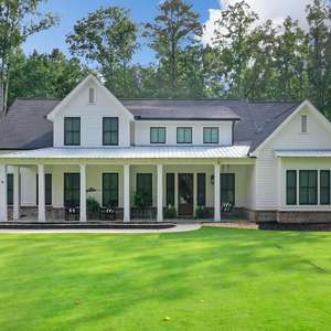Southern Living Modern Farmhouse