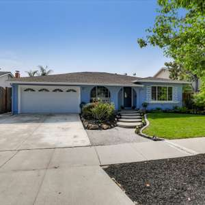 Beautifully Updated 4BR/2BA Vista Park Home