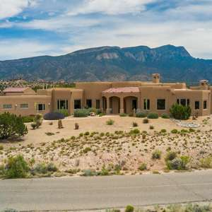 Exceptional Estate - guest house and 4 car garage