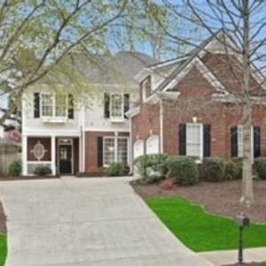 Updated & Move-In Ready in Peachtree Corners!