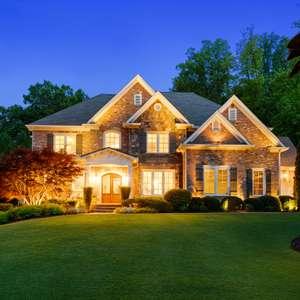 An Entertainer's Dream Home In Prestigious Golf Community!
