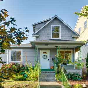 Move-in Ready Sellwood Bungalow