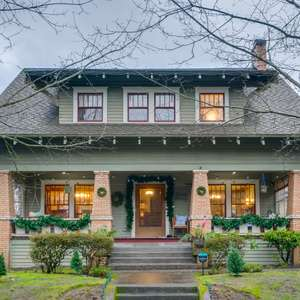 Laurelhurst Dream Home Alert!